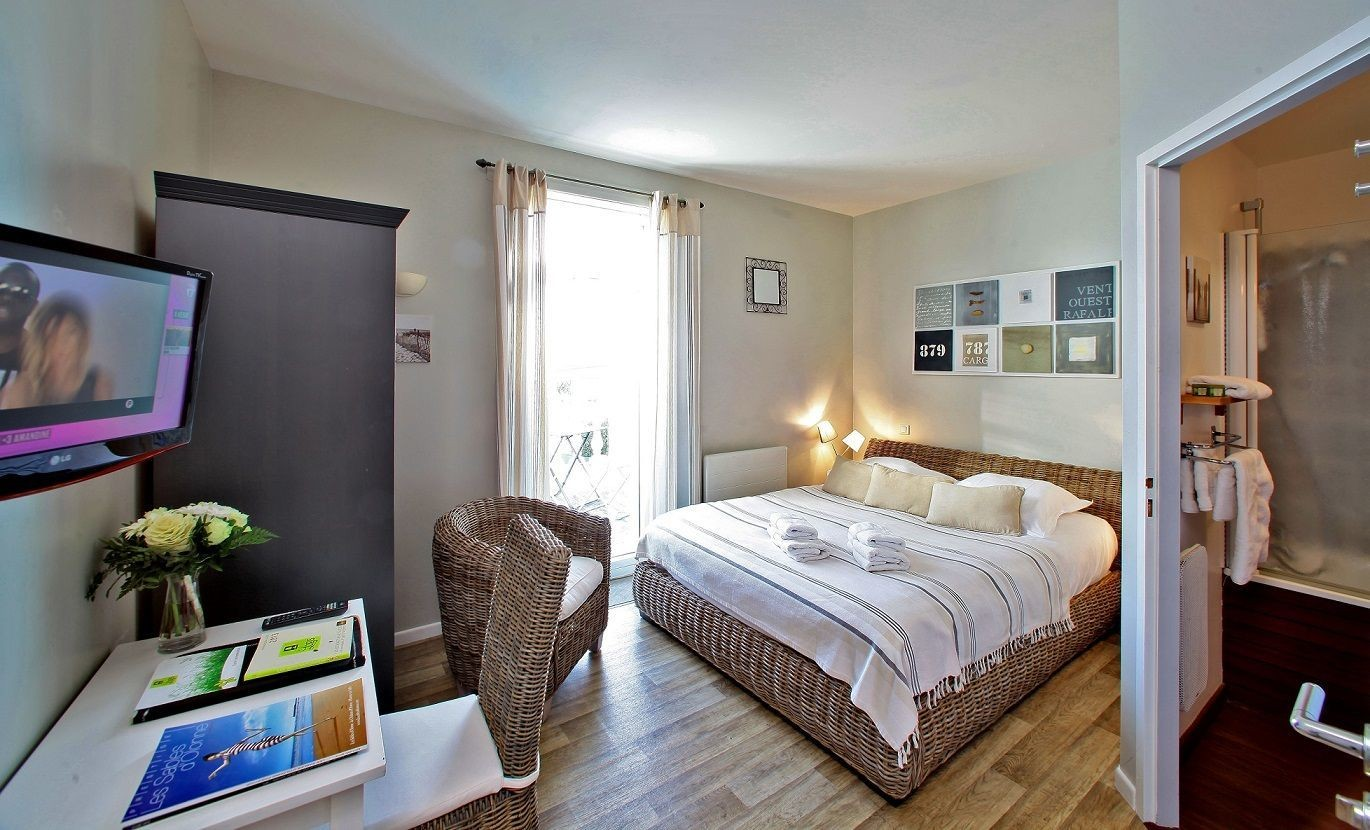 DOUBLE TERRACE ROOM-2 persons