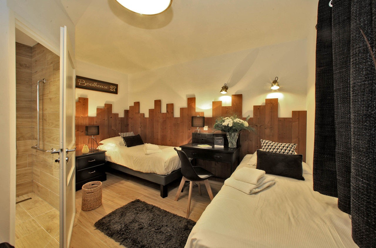 DISABLED TWIN ROOM (TWO SINGLE BEDS)-2 persons