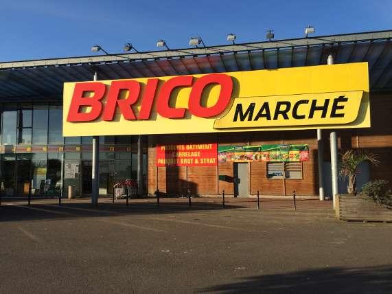 Bricomarché - hardware shop, garden, decoration - Brocantes à ...